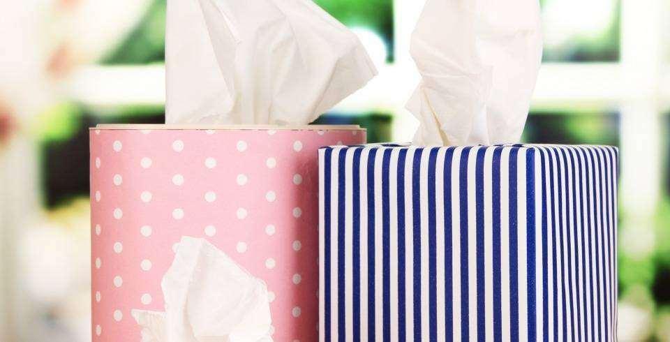 Ce nu trebuie sa lipseasca din geanta unei mamici moderne: servetele umede si uscate